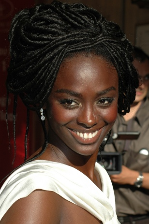 aissa_maiga_at_the_2007_cannes_film_festival-01