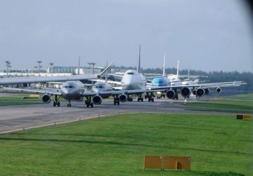 changi_airport_traffic_jam_5621408218