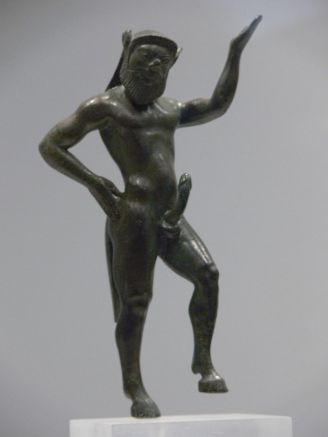 800px-statue_of_a_satyr