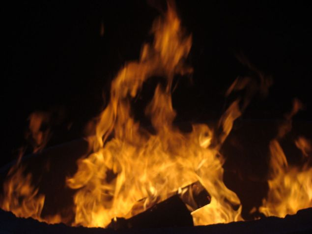 1280px-Fire_in_Ranua