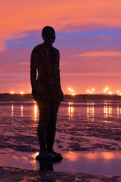 Antony_Gormley_-_Another_Place_-_Crosby_Beach_01