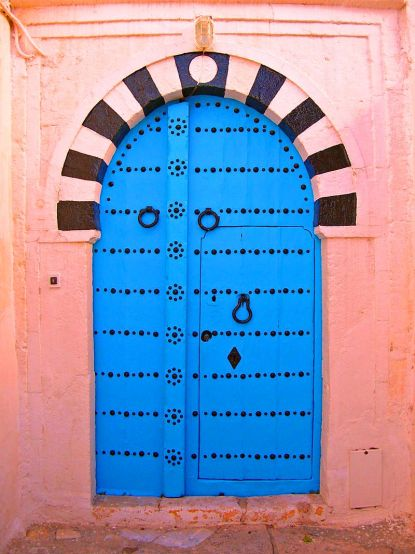 800px-Door_Sidi_Bou_Said
