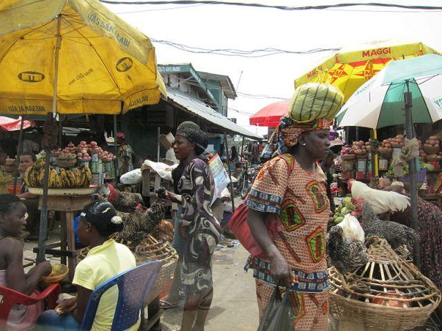 800px-2010_market_Lagos_Nigeria_4577157858