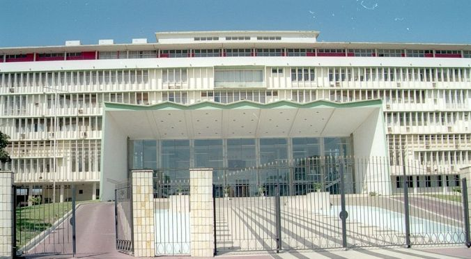 National_assembly_(Dakar,_Senegal).jpg