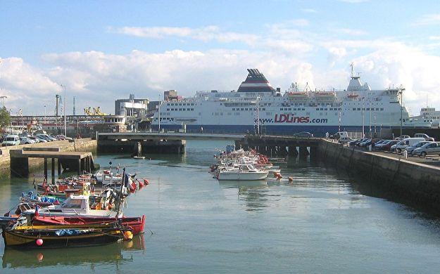 1024px-Ferry_Le_Havre_2007.jpg