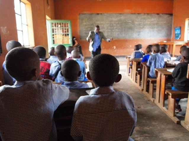 Flickr_-_usaid.africa_-_Basic_education_programs_build_skills_for_the_future_in_Rwanda.jpg