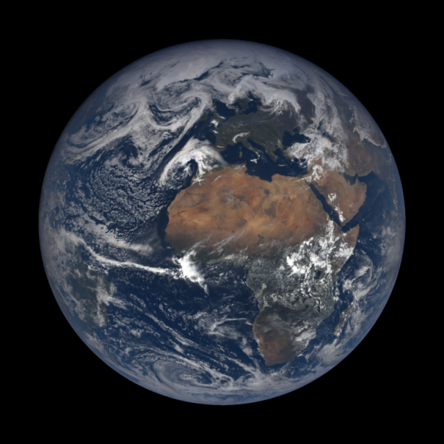 800px-Earth_by_the_EPIC_Team_on_21_April_2018.png