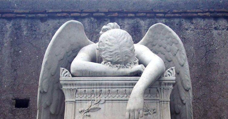 800px-Emelyn_Story_Tomba_(Cimitero_Acattolico_Roma)