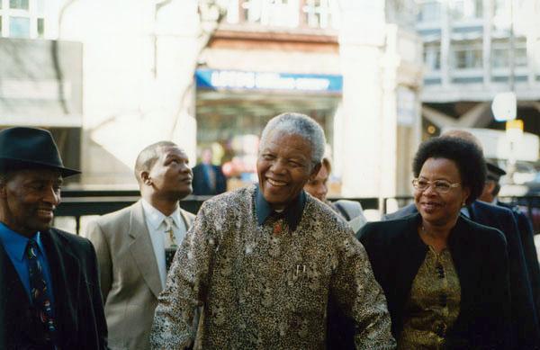 Nelson_Mandela,_2000_(4).jpg
