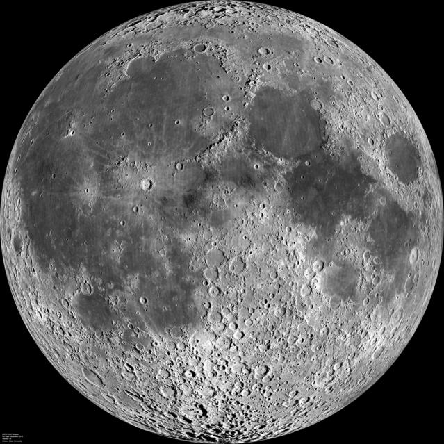 1024px-Moon_nearside_LRO_5000_(2).png