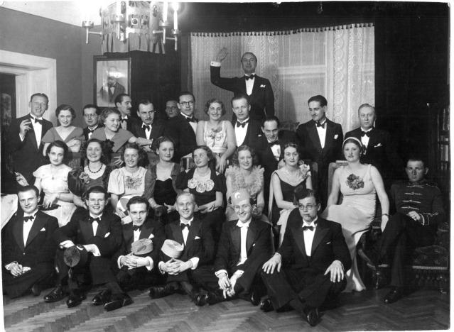 Coctail_party_-_1936.tif.jpg