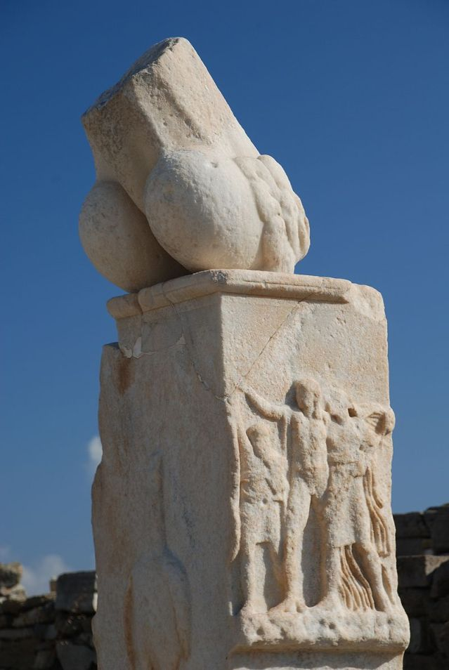 800px-Southern_Pillar_-_Stoivadeion_-_Temple_of_Dionysus_-_Delos_Greece_Oct_2008.jpg