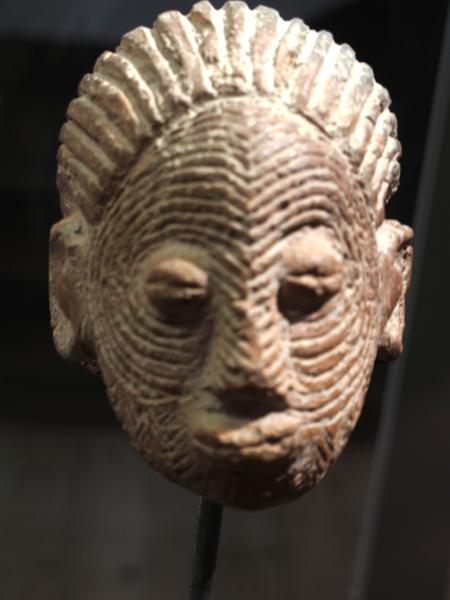 Sao_culture,_head._Terracotta,_Woutio,_Cameroon._Muséum_de_La_Rochelle.jpg